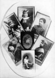 Medaglione con la madre Assunta Mondini e i figli: Jolanda, Mercedes, Tina, Benvenuto, Gioconda, Giuseppe.