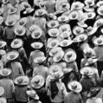 Tina Modotti - Parata di lavoratori